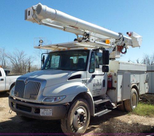 small resolution of l4479 image for item l4479 2007 international 4300 bucket truck