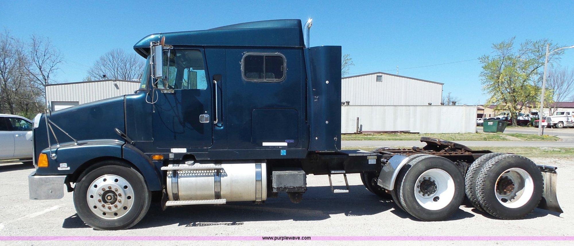 hight resolution of  1995 volvo wia semi truck full size in new window