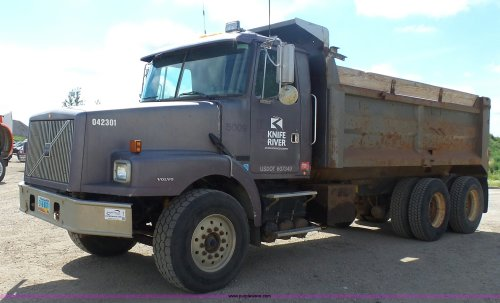 small resolution of j1651 image for item j1651 1997 volvo wg dump truck