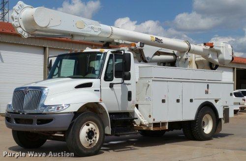 small resolution of db4535 image for item db4535 2010 international durastar 4300 bucket truck