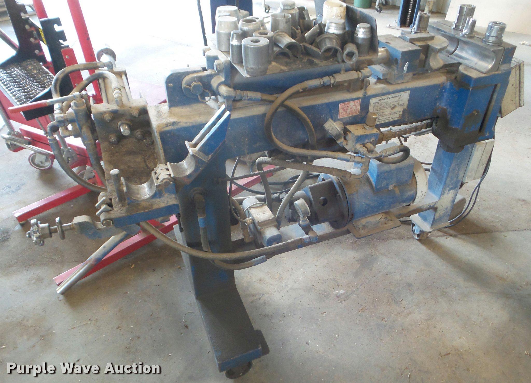american blue boy pipe bender in