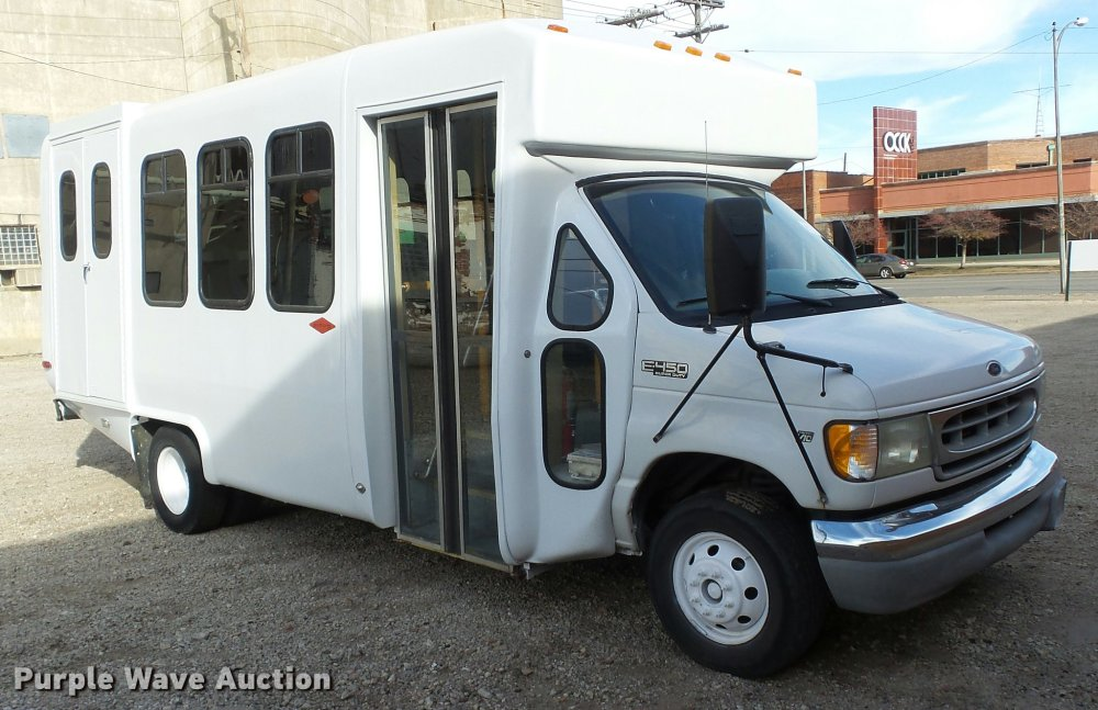 medium resolution of  2002 ford econoline e450 super duty diamond shuttle bus full size in new window