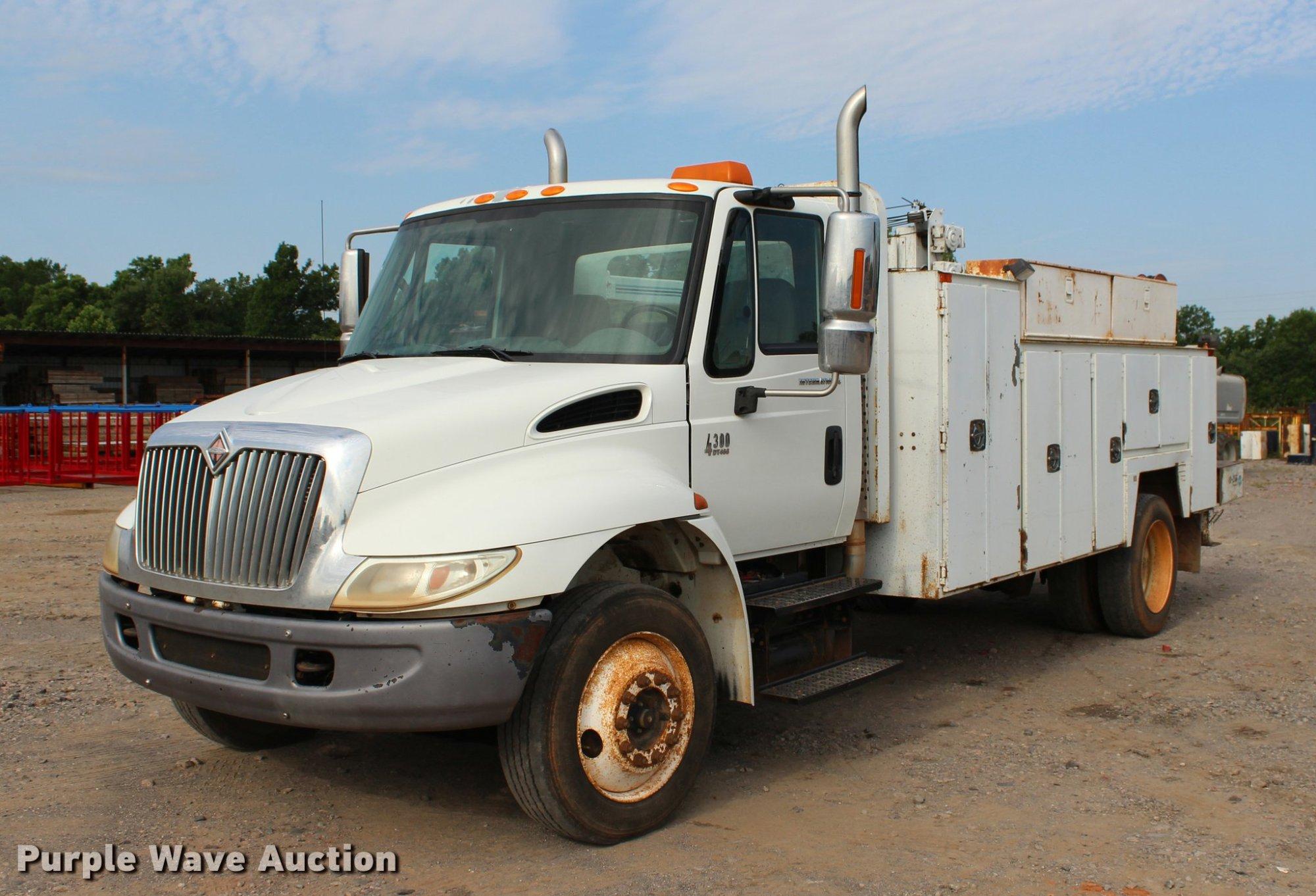 hight resolution of l3172 image for item l3172 2002 international 4300 service truck