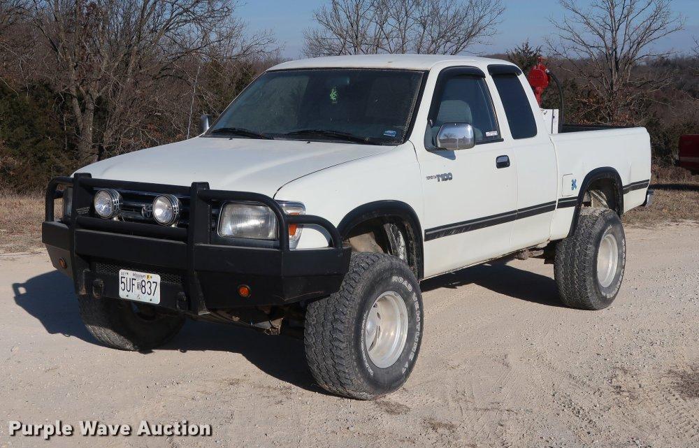 medium resolution of dd9553 image for item dd9553 1996 toyota t100 sr5 xtracab pickup truck