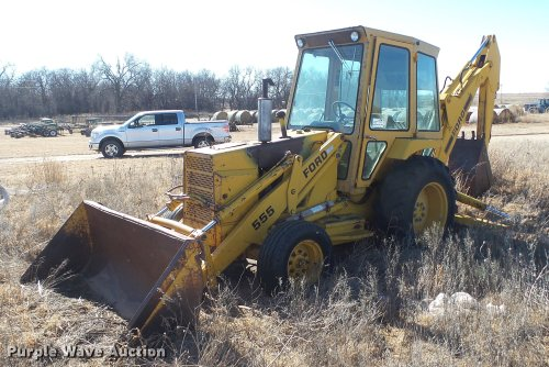 small resolution of ford 555 backhoe item dc5696 sold february 21 vehicles ford 555 backhoe parts list