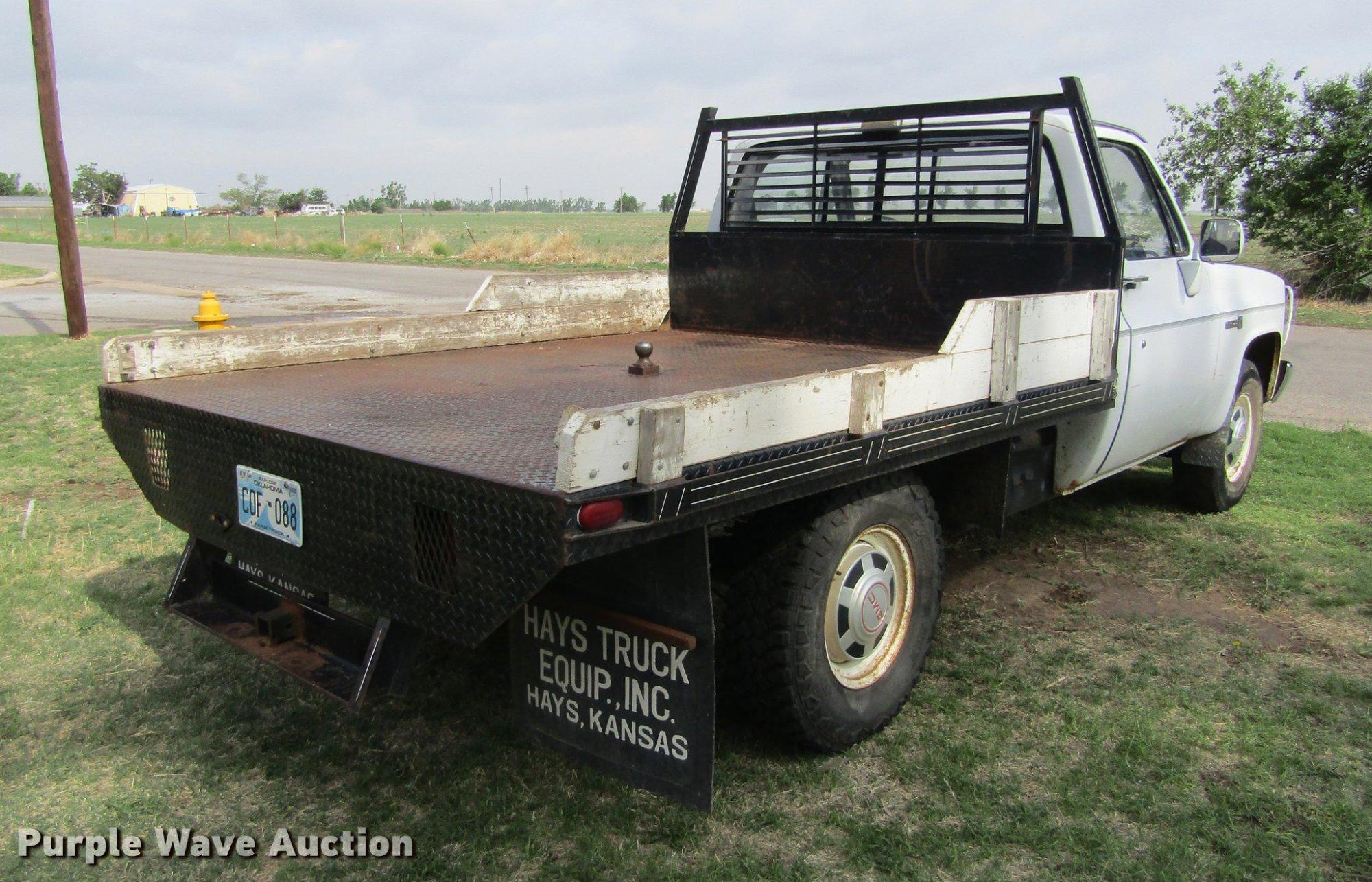 hight resolution of  1987 gmc sierra r2500 flatbed pickup truck full size in new window