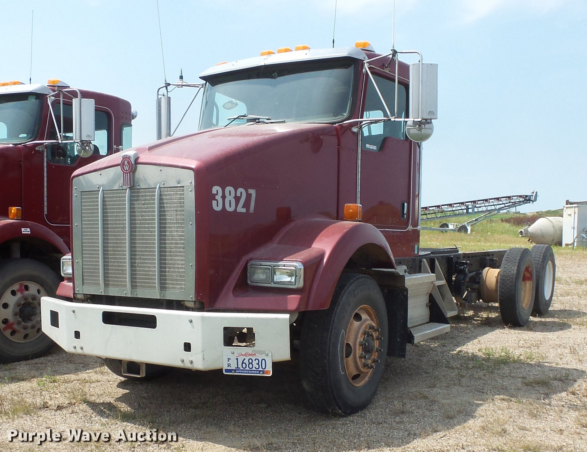 hight resolution of ev9196 image for item ev9196 2006 kenworth t800 truck cab and chassis