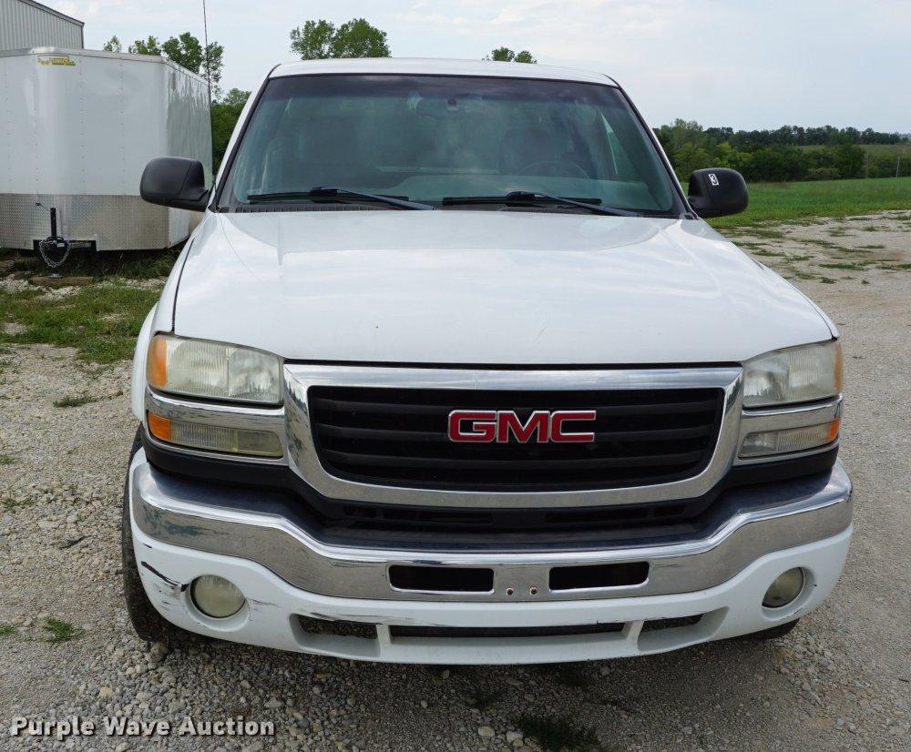 medium resolution of  2004 gmc sierra 2500hd pickup truck full size in new window