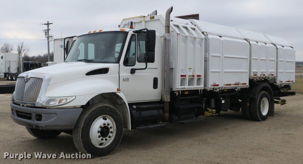 medium resolution of db8923 image for item db8923 2005 international 4300 recycling truck
