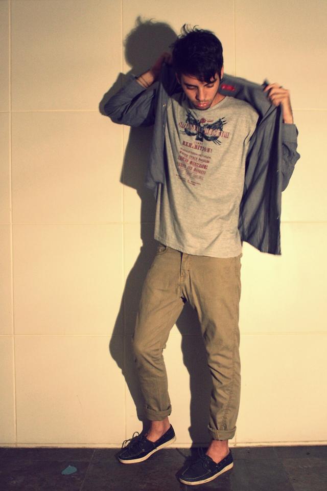 La Nuit Des Blouses Grises : blouses, grises, Lennon, Ferreira, Jeans, Blouse,, Clook, House, Shirt,, Nuit,, Chats, LOOKBOOK