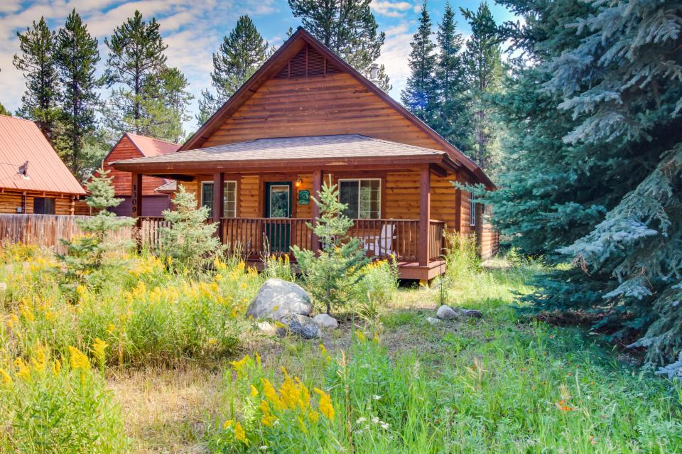 Hubbard Cabin Retreat with Payette Lake Access  3 BD