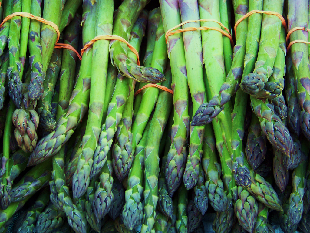 How To Lose Belly Fat Fast- Asparagus