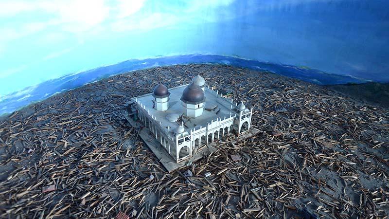diorama masjid aceh di museum tsunami