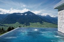 Breathtaking Hotel Pools Globe And