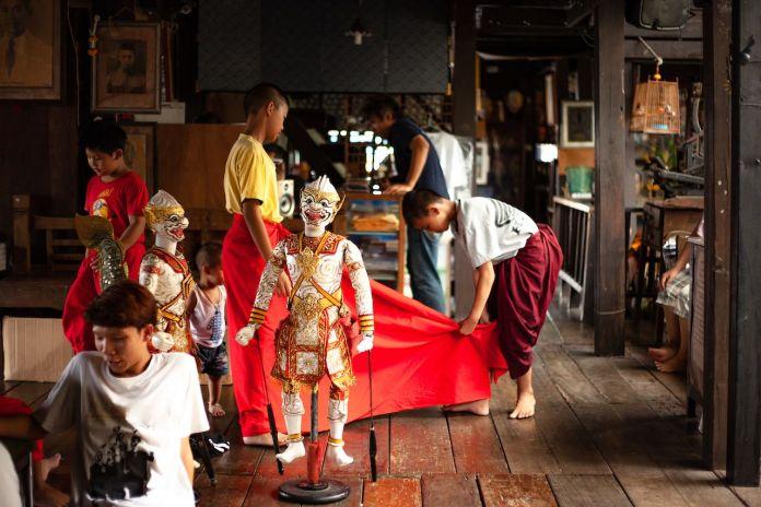 Preparation of Puppet thai show