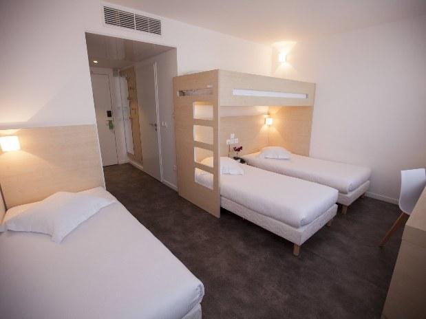 Chambre Standard Quadruple Chambres  Hotel Paris SaintOuen de Htel Paris SaintOuen  Htel