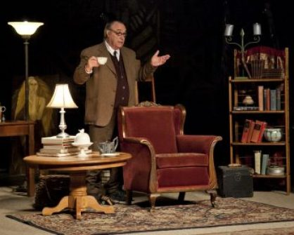 The show is based in 1962 in Lewis' study at his home near Oxford.