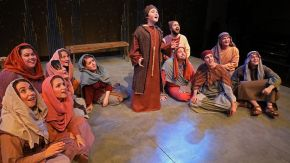 cast of Amahl and the Night Visitors on stage