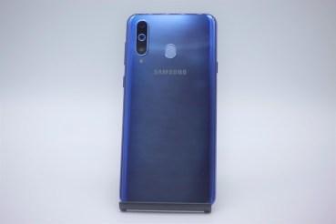 三星Galaxy A8s臺灣第一支螢幕挖孔手機!年前上市!- SOGI手機王