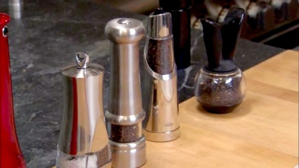 Handed Pepper Mills Cook' Country