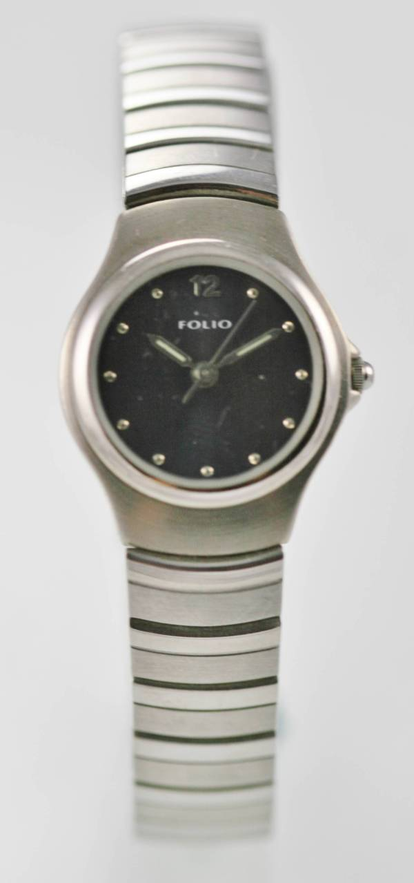 Folio Relic Women' Blue Dial Silver Easy Read Wr