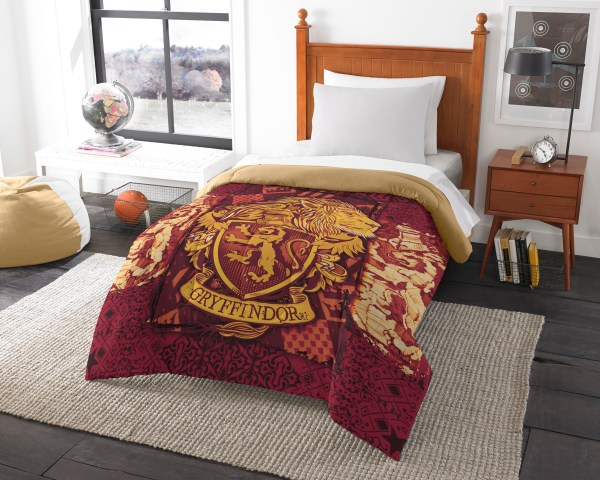 Harry Potter Gryffindor House Crest Twin Full Comforter