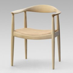 Hans Wegner The Chair Mid Back Photo 2 Of 9 In 8 Iconic Chairs By Dwell