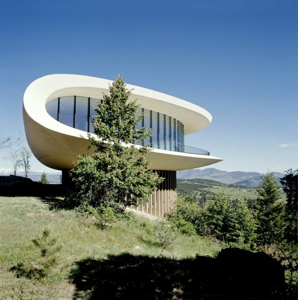 5 Of 11 In Book Celebrates Modernism With Futuristic Homes And Visionary