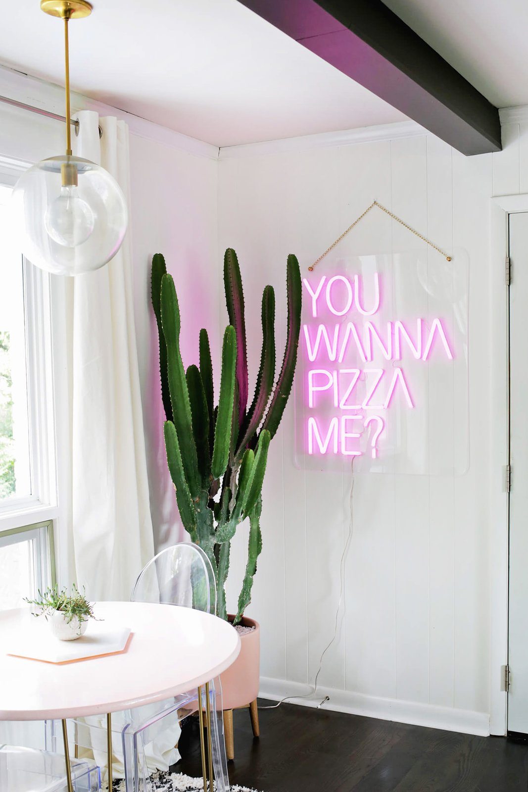 Pizza Me (695 $) a été créée en collaboration avec la blogueuse Laura Gummerman de The Band Wife.