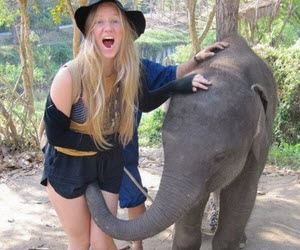 21 Worst Tourist Photos Ever You Can't Miss