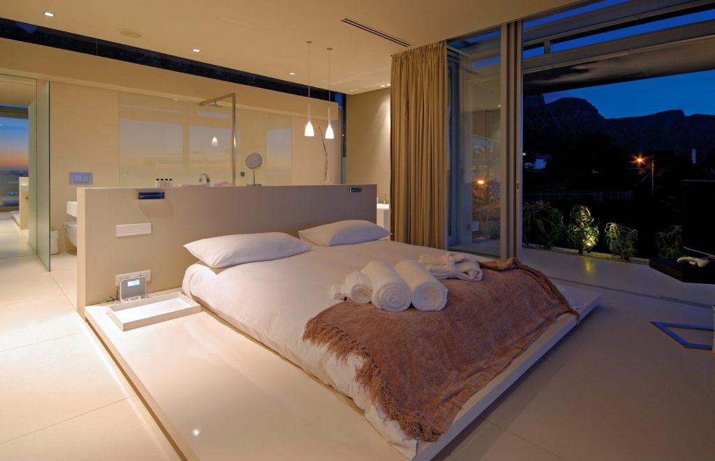 17 Open Living Spaces That Blur The Line Between Bedroom And Bathroom