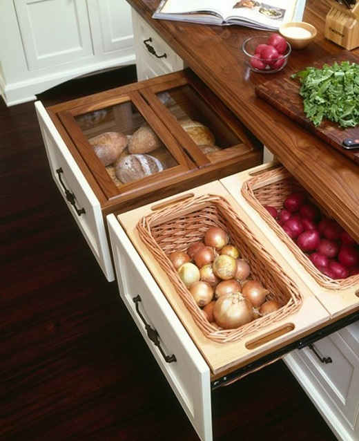 compartmentalized kitchen drawers