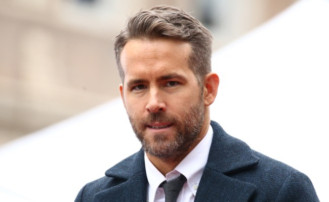Ryan Reynolds Gives Love To Bc Lions On Fox Nfl Broadcast