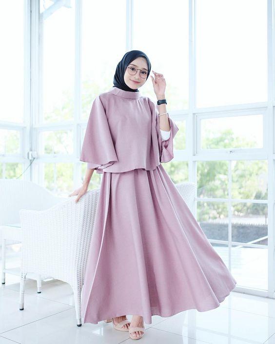 Warna Jilbab Yang Cocok Untuk Baju Pink Salem : warna, jilbab, cocok, untuk, salem, Inspirasi, Padan, Hijab, Cocok, Dengan, Polos, Womantalk