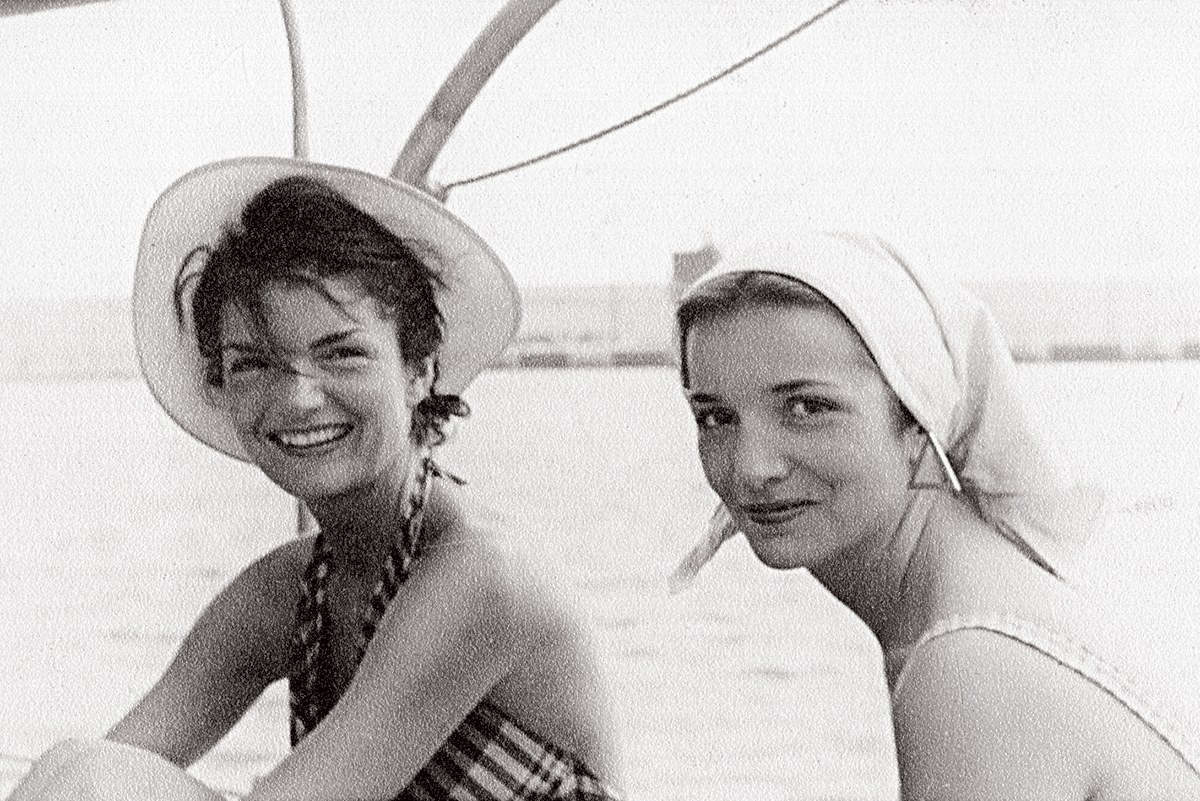 Jackie Kennedy And Lee Radziwill Sisters Of Providence