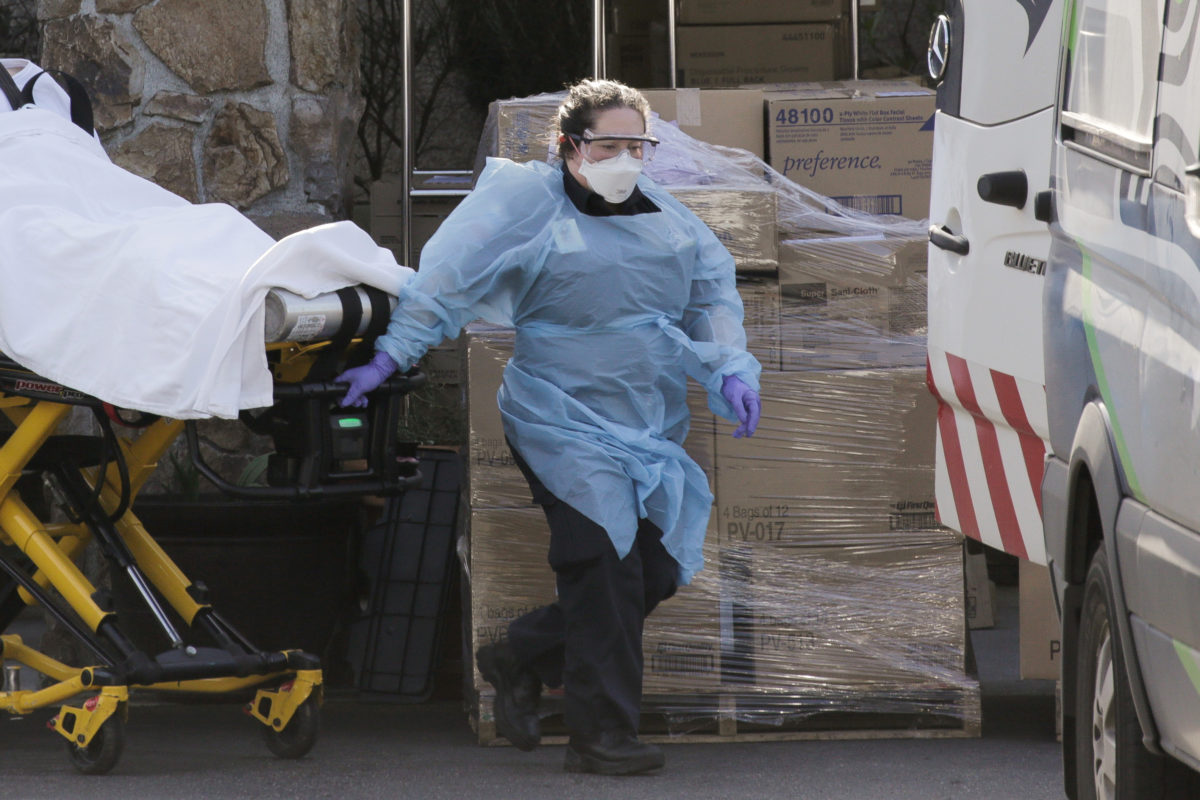 As U.S. coronavirus death toll hits 11, feds investigate nursing ...