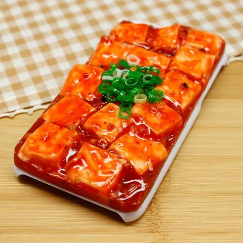【VV限定】食品サンプル屋さんのスマホケース(iPhone6/6s:麻婆豆腐)【atelier cook】