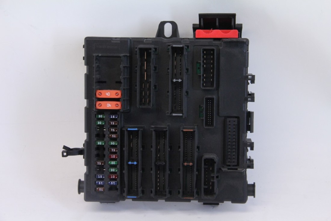 hight resolution of saab 9 3 03 06 interior fuse relay box in trunk 12801000 extreme auto parts