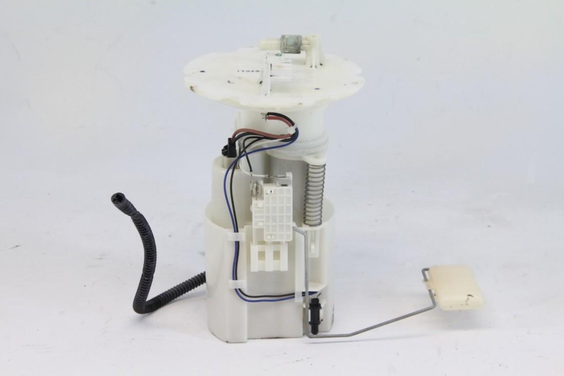 hight resolution of nissan 350z 03 04 fuel filter gas pump 17040 cd000