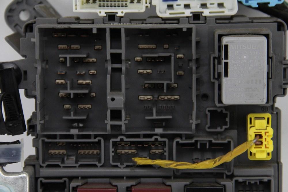 medium resolution of honda odyssey touring under dash interior fuse box relay 38200 shj