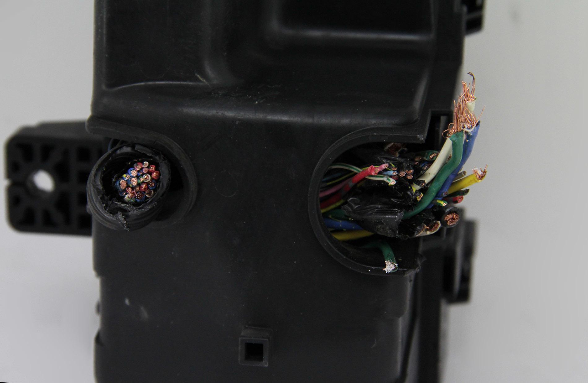 hight resolution of  honda odyssey under hood fuse relay box ex ex l touring 38250