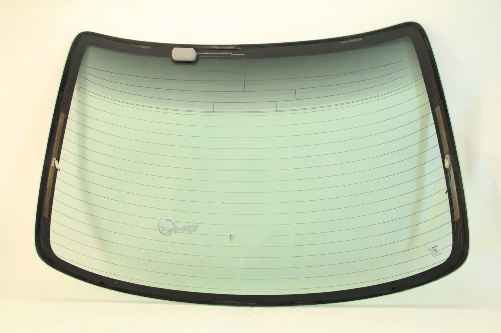 medium resolution of  honda accord coupe 2dr 98 02 back windshield rear window glass 73211 s82