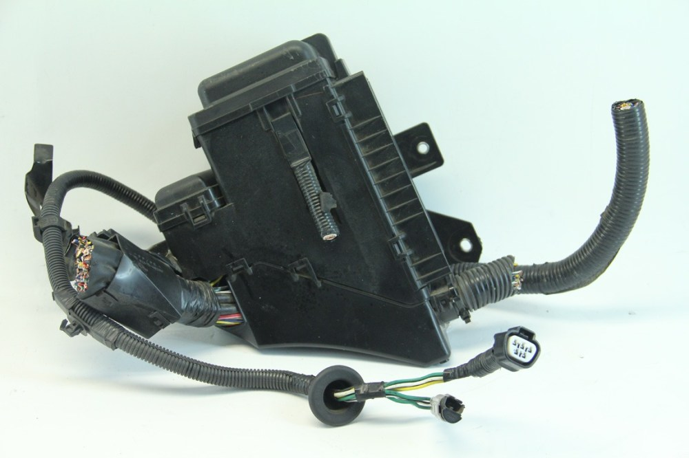 medium resolution of  lexus rx400h 06 08 under hood fuse relay box junction block 82602 48070