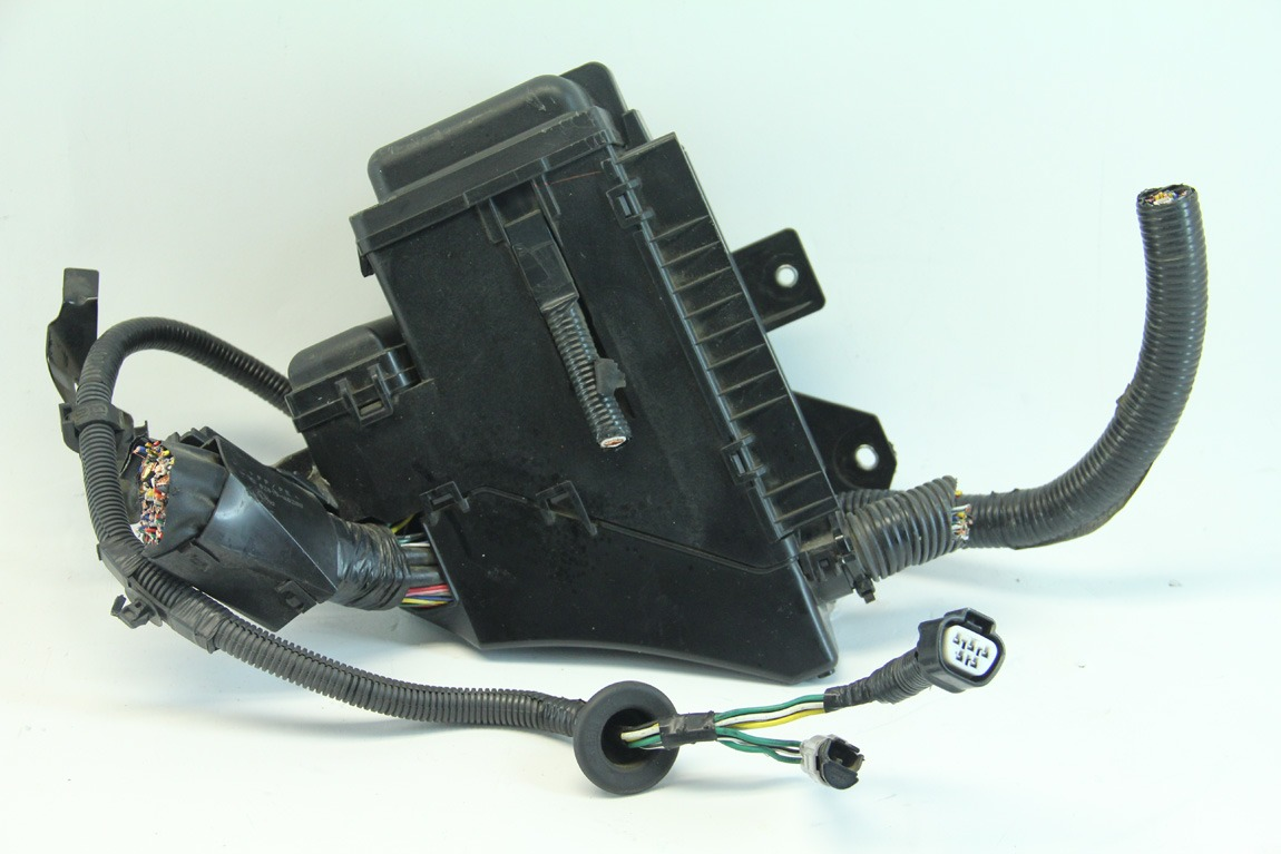 hight resolution of  lexus rx400h 06 08 under hood fuse relay box junction block 82602 48070