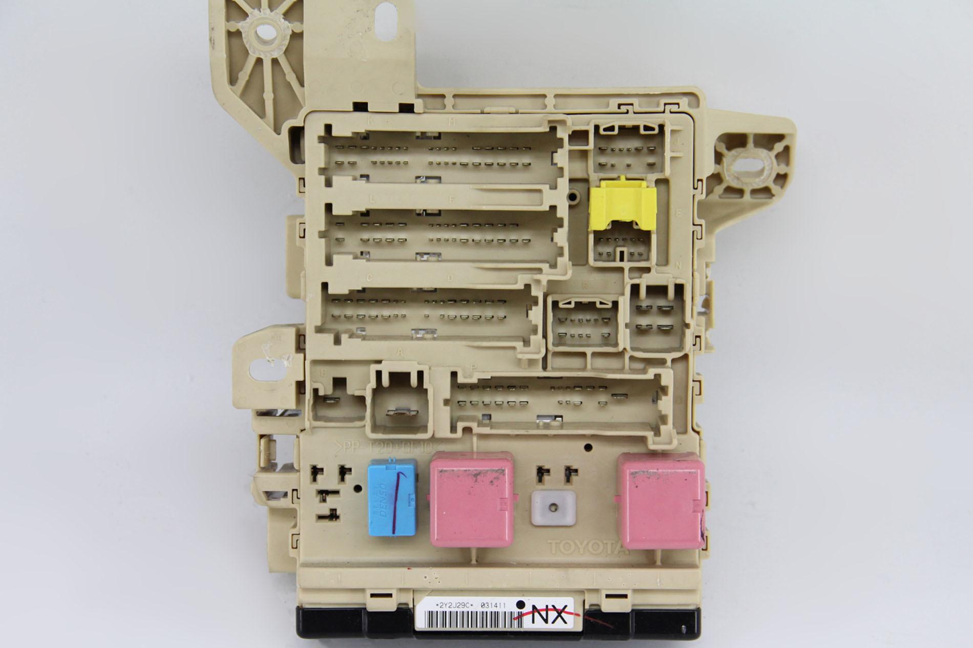 hight resolution of toyota camry hybrid 10 11 relay fuse box interior under dash 82730 06730