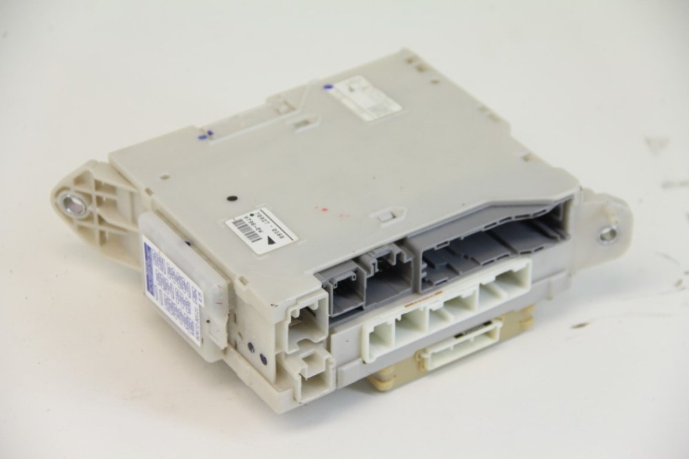 medium resolution of lexus gs350 fuse box block junction relay cowl 82730 30a52 oem 07 09