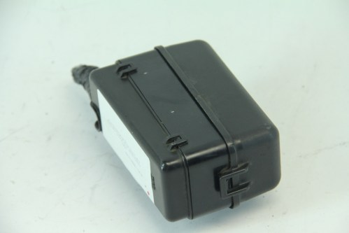 small resolution of  lexus rx400h 06 08 under hood fuse relay box terminal 82741 48050