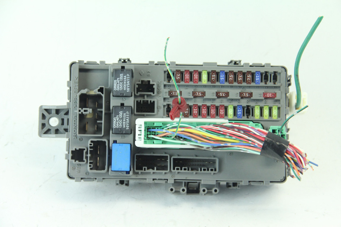 hight resolution of honda accord coupe 08 12 interior fuse box left driver side 2 4l te0