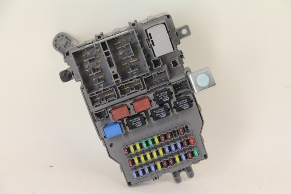medium resolution of acura tl type s 2007 rear fuse box junction unit assembly factory oem extreme auto parts