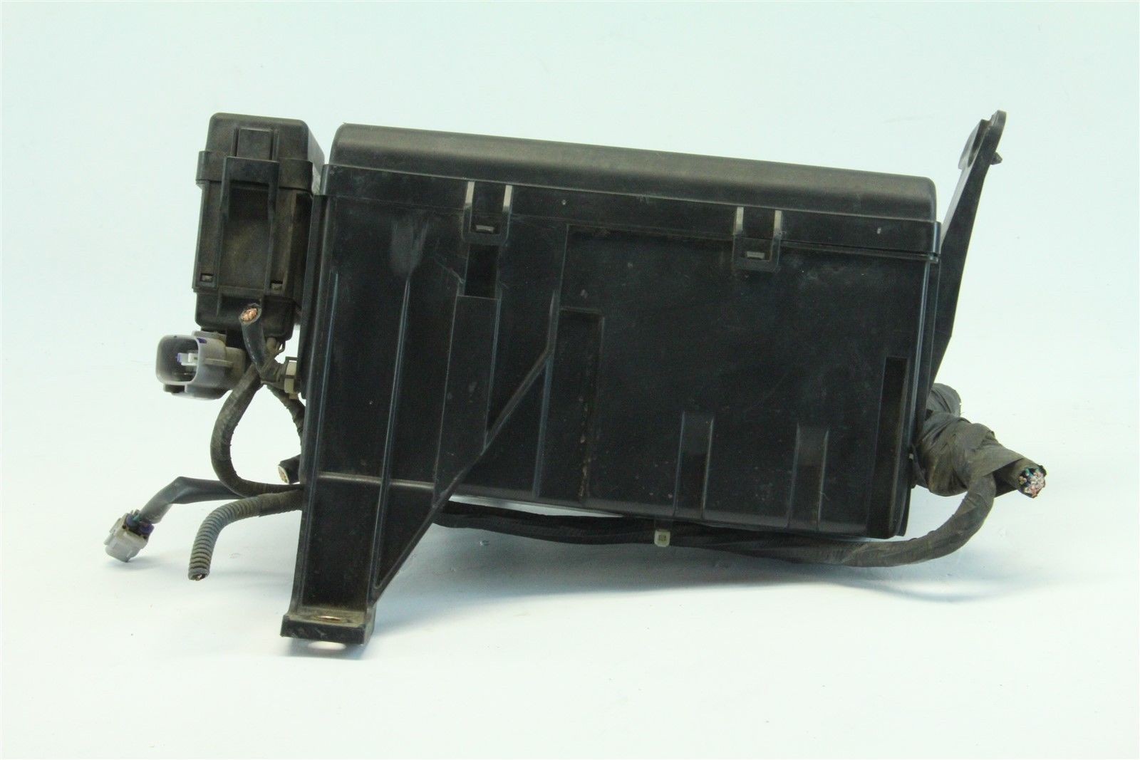 hight resolution of toyota 4runner 2004 exterior under hood fuse box 4 7l v8 cylinder a rh extreme auto